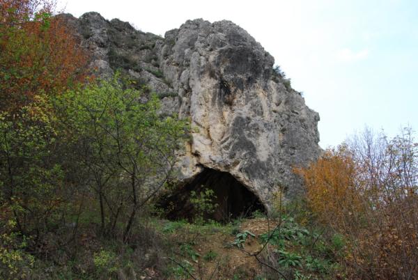 Бараница, улаз у пећину